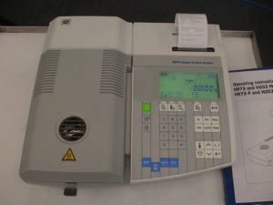 Thermobalanza Mettler HR73